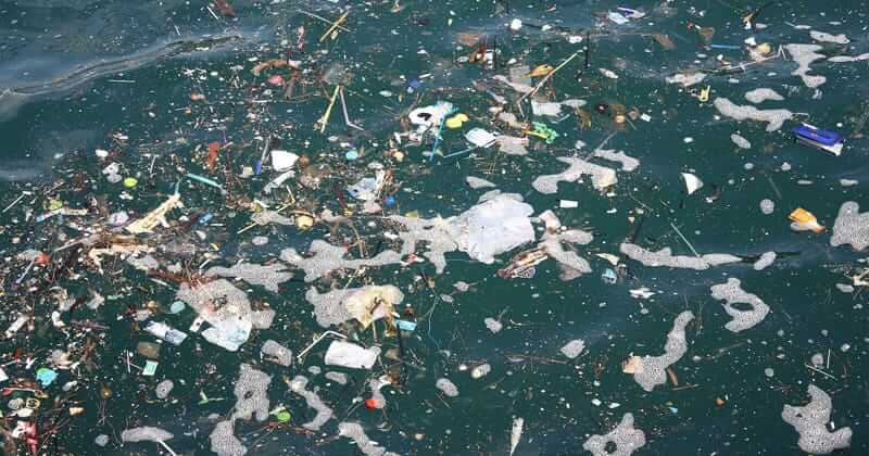 Lixo nos Oceanos
