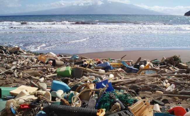 poluição por plástico